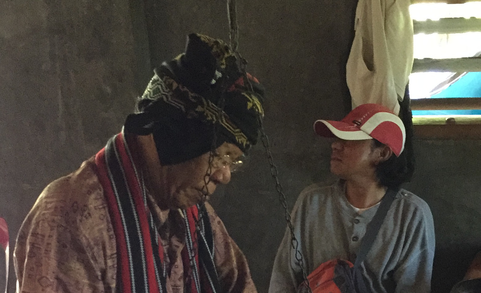 Datu Odus playing the ancient Ubo tribe gong