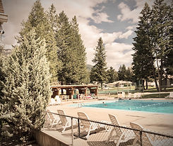 RidgeView Resort Outdoor Pool.jpg