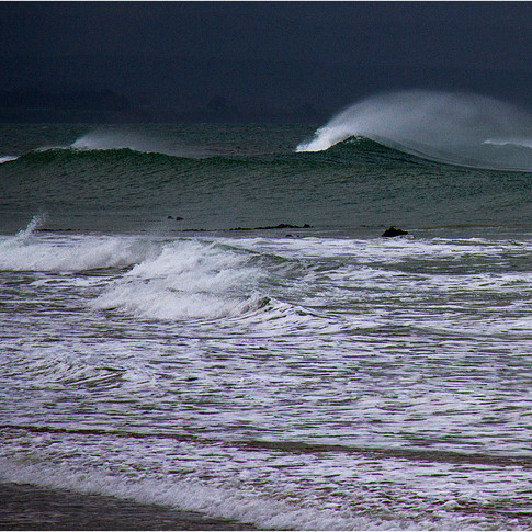 Large wave plume