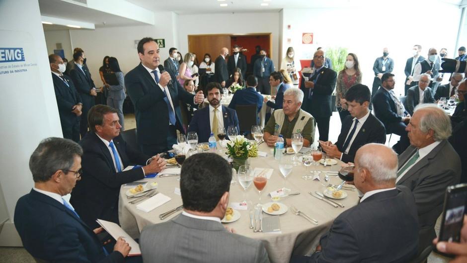 Em BH, Bolsonaro se encontra com industriais mineiros