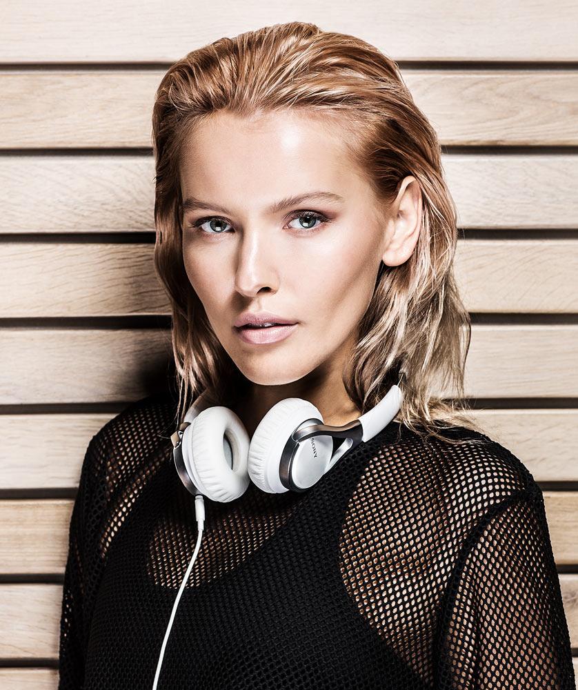 pavel-hejny-linda-bartosova-fashion-sony-campaign-2