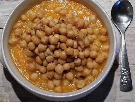 Zuppa di zucca e ceci per il ritorno del freddo