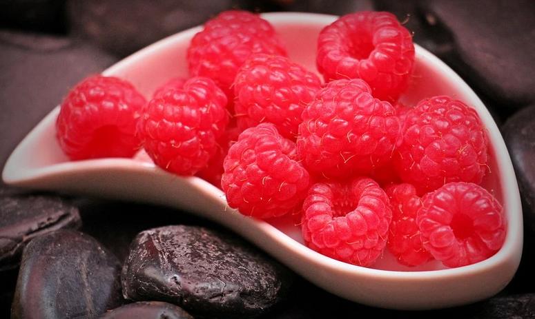 raspberries-1426859_960_720.webp