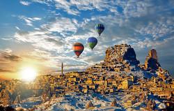 turkey-hot-air-ballooning-over-uchisar-village-cappadocia