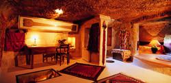 Museum-Hotel-Uchisar-Turkey-Sultan-Cave-Suite-7
