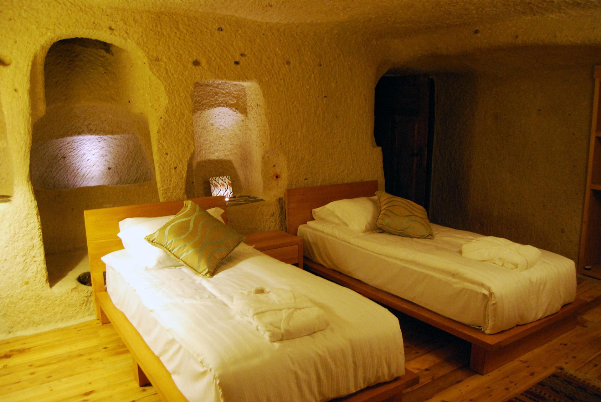 hotel-sira-rooms-1