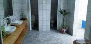 marina enseada banheiro