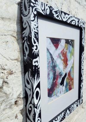 Black & white flow doodle frame