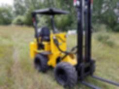 xl-rough-terrain-forklift-2.jpg