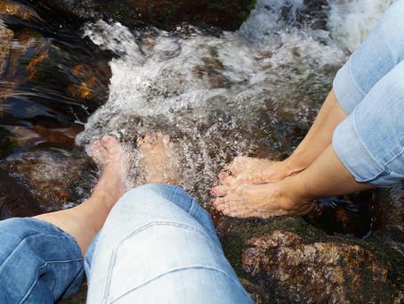 La détoxination ionique par les bains de pieds électrolytiques