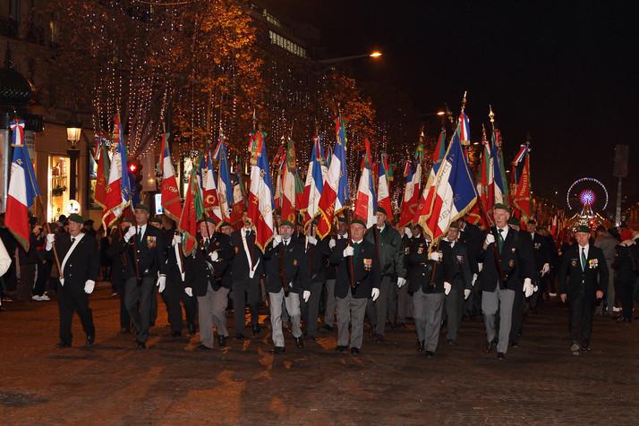 Cérémonie des 1000 drapeaux