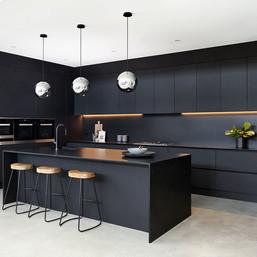 Silestone Negro Tebas Kitchen 2.jpg