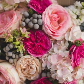 Collaboration with Bouquets by Bonnie Photos: Jeff plus Amber Photography Venue: Twin Oaks Estate