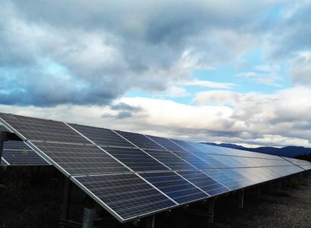 A planta da Nippon Rika em Fukushima utiliza energia solar para produzir fitas de mica