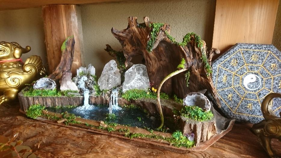 石と流木のインテリア