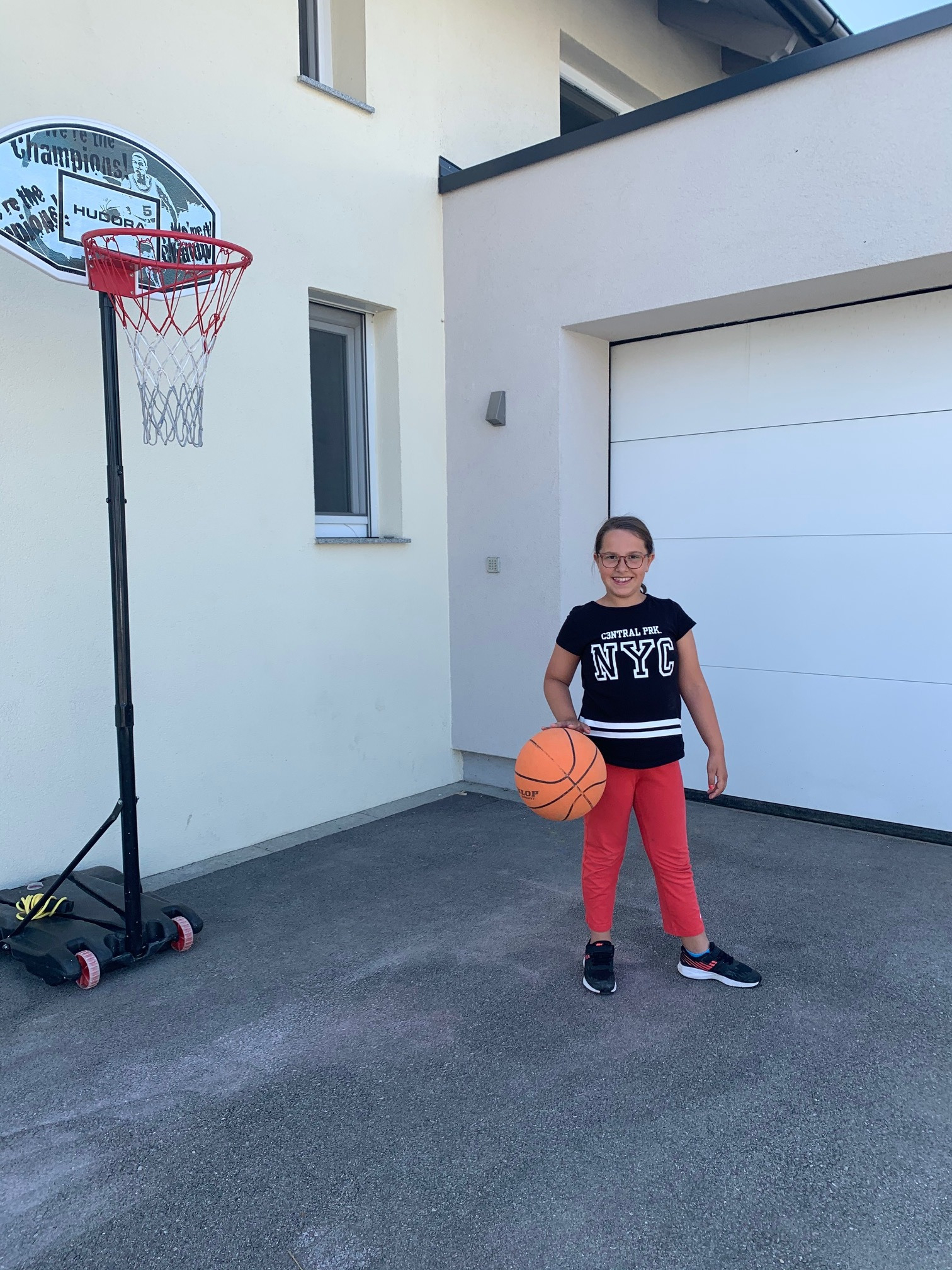 Basketball_3a_2_edited.jpg