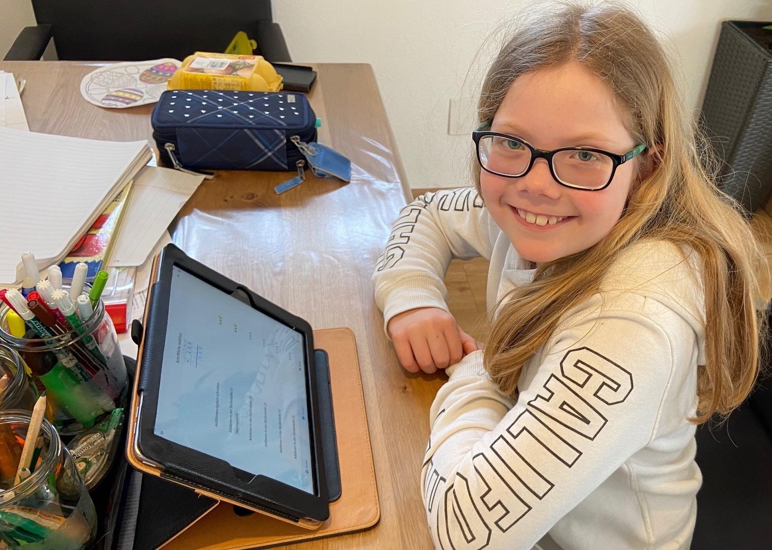 Jana-tablet.jpg