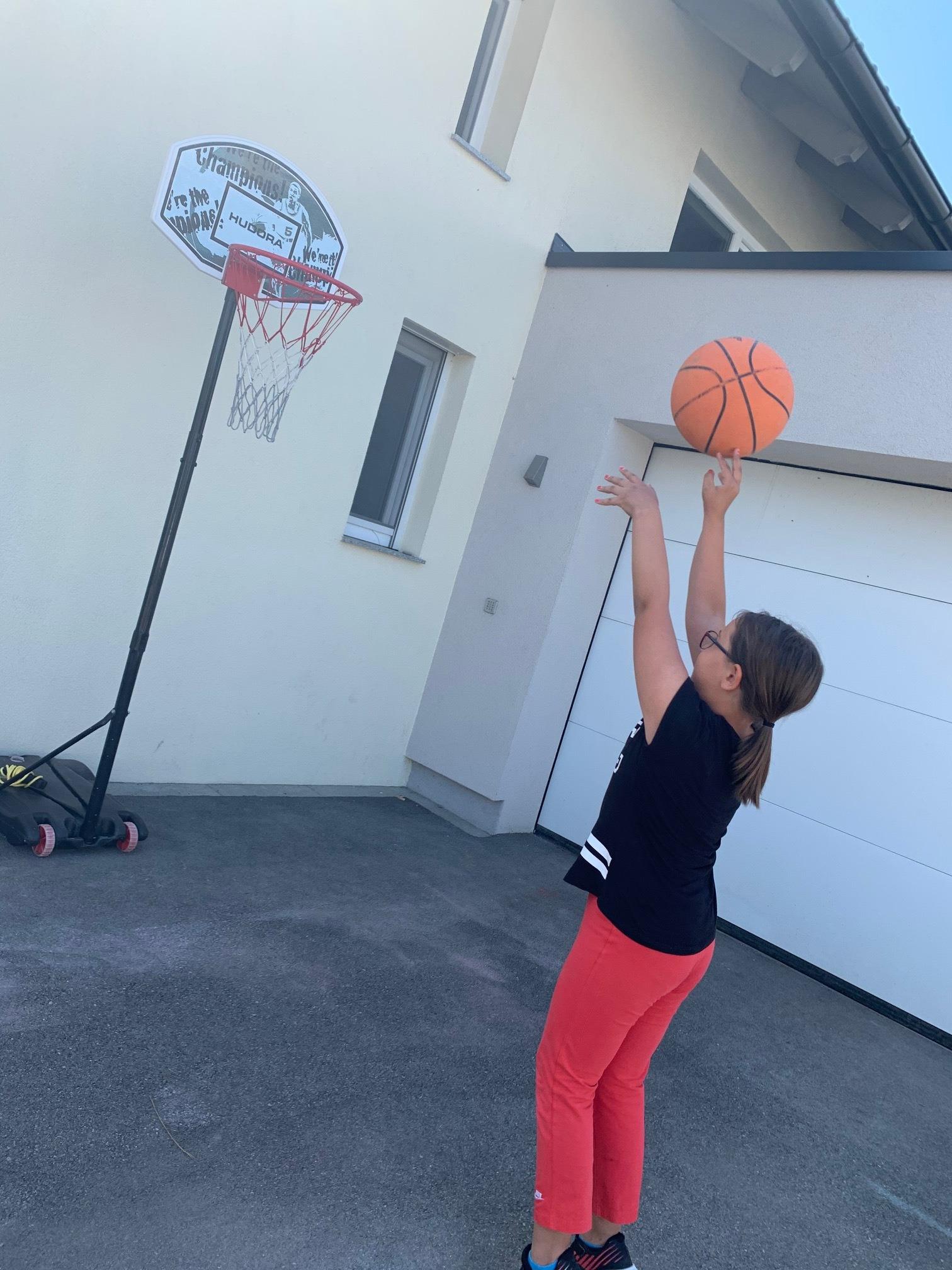 Basketball_3a_1_edited.jpg