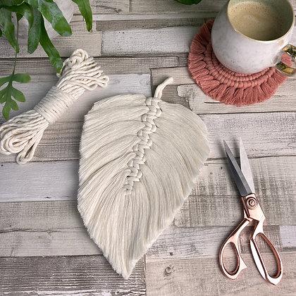 Macramé Feather Natural