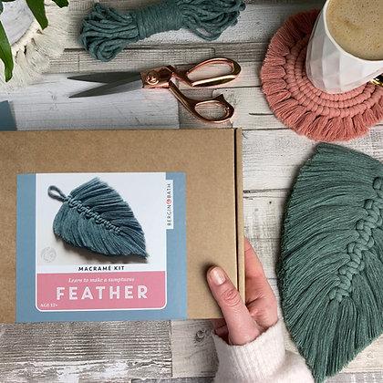 Macramé Feather Laurel