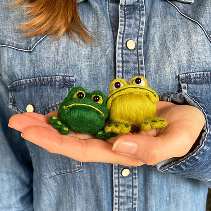 Needle Felted Frogs Kit