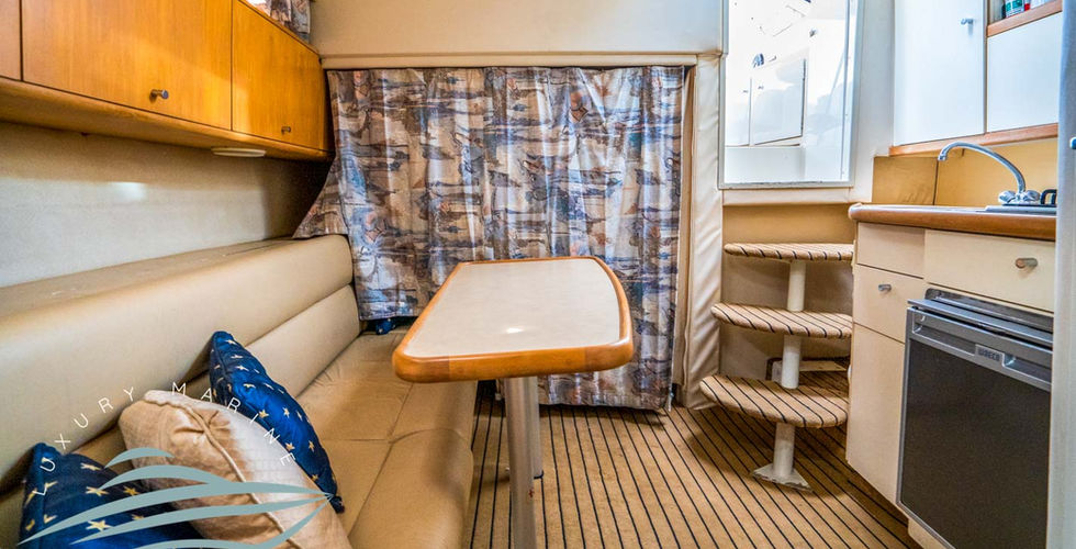 1997-carver-310-express-33-foot-used-luxury-cruiser-for-sale-in-sydney-from-luxury-marine