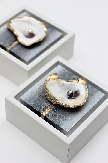 "Oyster Mini Set | Oysters & Freshwater Pearls | 4"" x 4"" each"