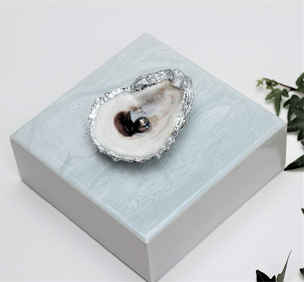 """No. 440 Oyster & Freshwater Pearl 