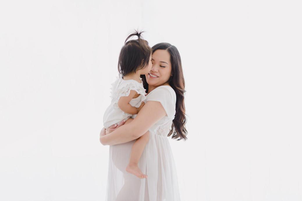 Smitten Photography - Sacramento Maternity Photographer - Indoor - Light and Airy (26).JPG