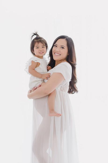 Smitten Photography - Sacramento Maternity Photographer - Indoor - Light and Airy (25).JPG
