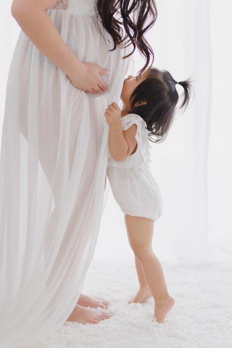 Smitten Photography - Sacramento Maternity Photographer - Indoor - Light and Airy (32).JPG
