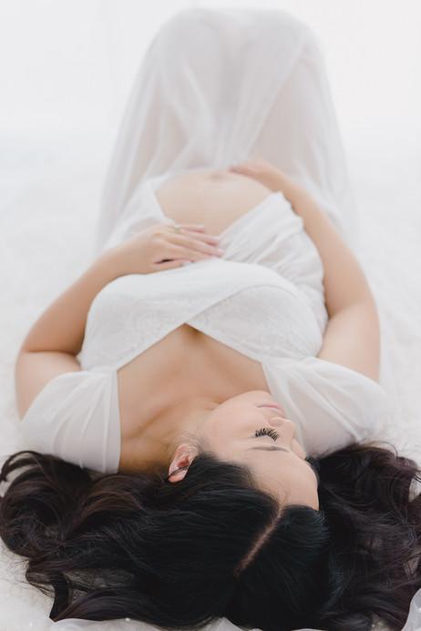 Smitten Photography - Sacramento Maternity Photographer - Indoor - Light and Airy (35).JPG