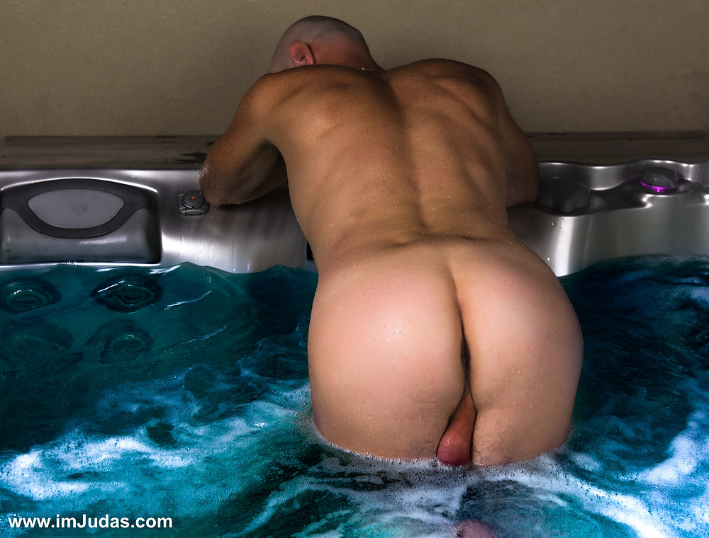 Naked in doggie position in my roof-top jacuzzi, showing my balls and my ass