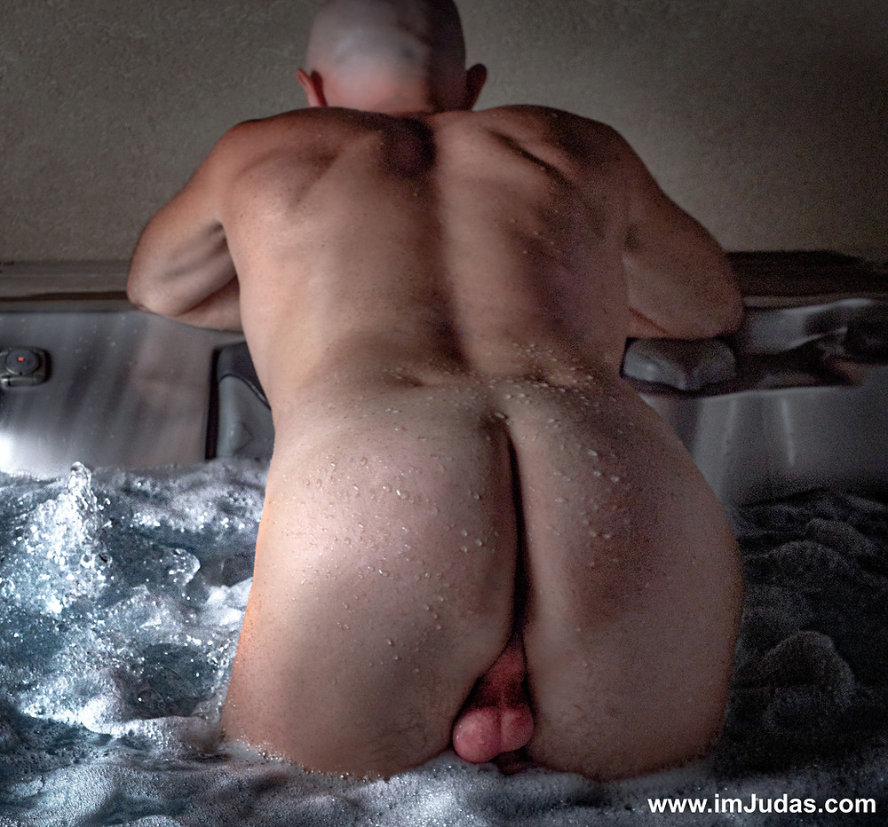 The best place for my ass to serve a cock is in a jacuzzi