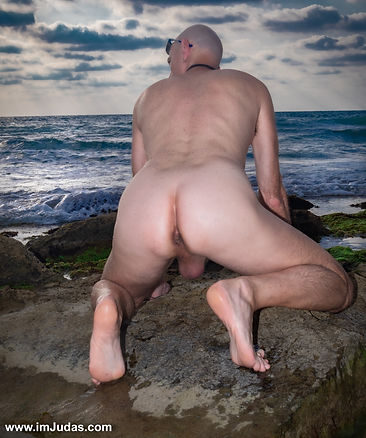 Some bottoms, like sweet Daniel, have huge penises.