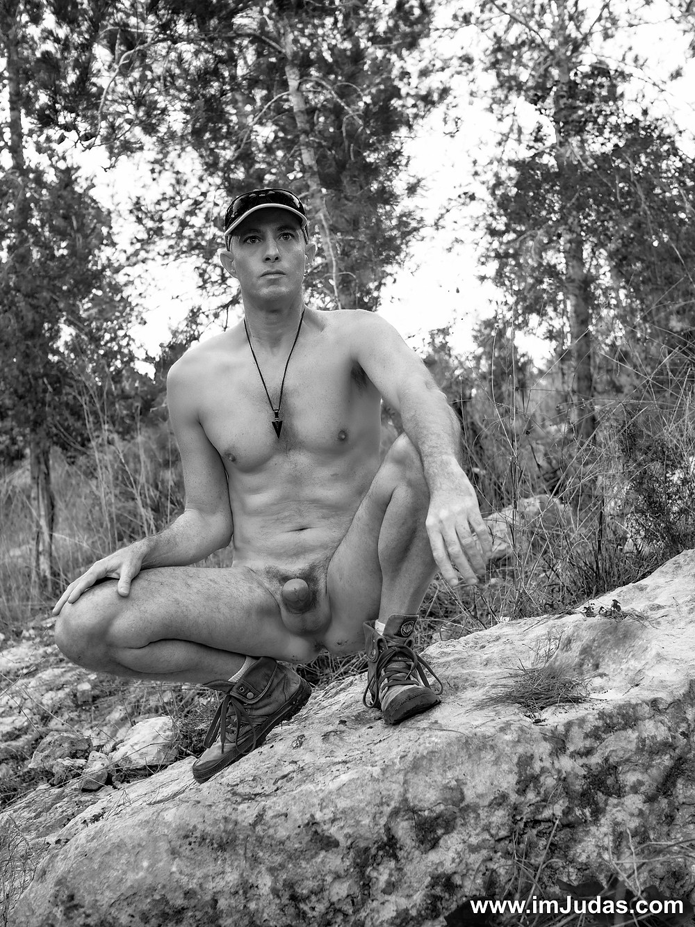 A beautiful naked afternoon in the forest