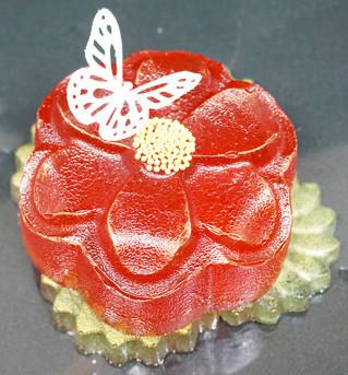 Gėle su vafliniu drugeliu