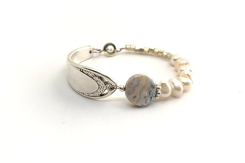 Signature Bracelet with freshwater pearls
