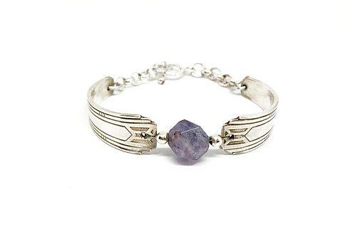 Classic Bracelet with Amethyst stone