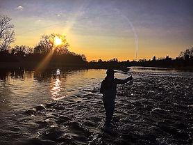 fly-fishing-the-american-river-6QT3RWQ.j
