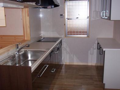 システムキッチン浄水器付水栓、IH付