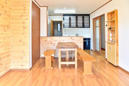 収納スペースの多いLDKなのでお部屋を広々と使えます!