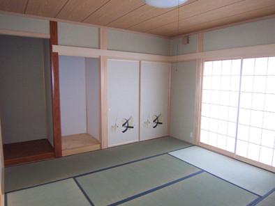 祖母の部屋の横は和室の8畳、客間