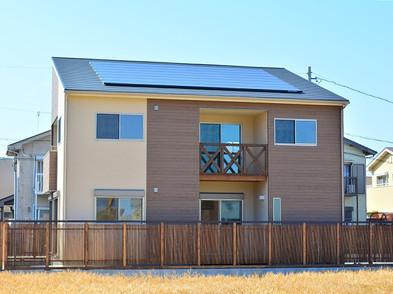 最大4.8kw発電する太陽光パネル搭載