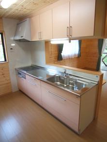 2Fの対面式のキッチン