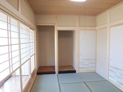 本格的和室の横は広縁です