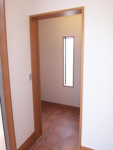 玄関収納は広くて便利です