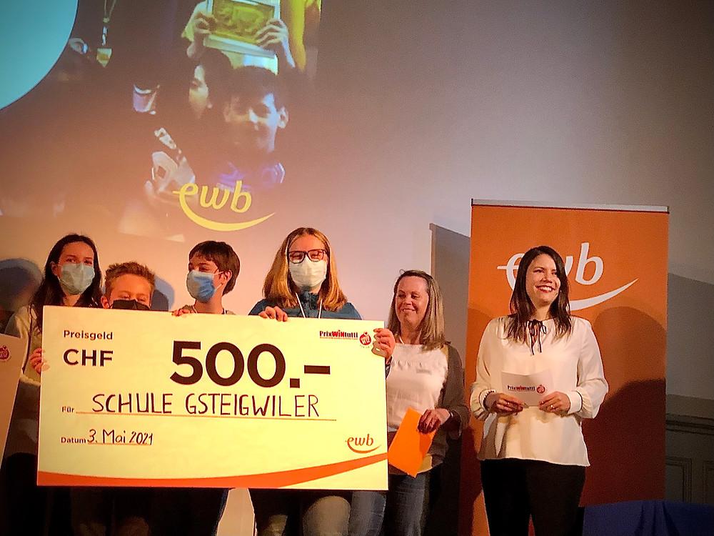 Unser Waldunterricht wird mit dem PrixWINTutti-Preis für Innovation und Wertschätzung ausgezeichnet.