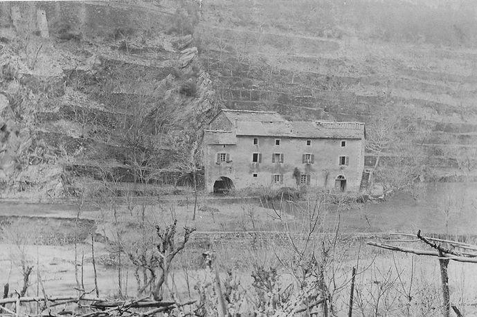 Campng dans le Gard Moulin