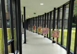 La Galerie du passage, invite régulièrement des artistes à exposer